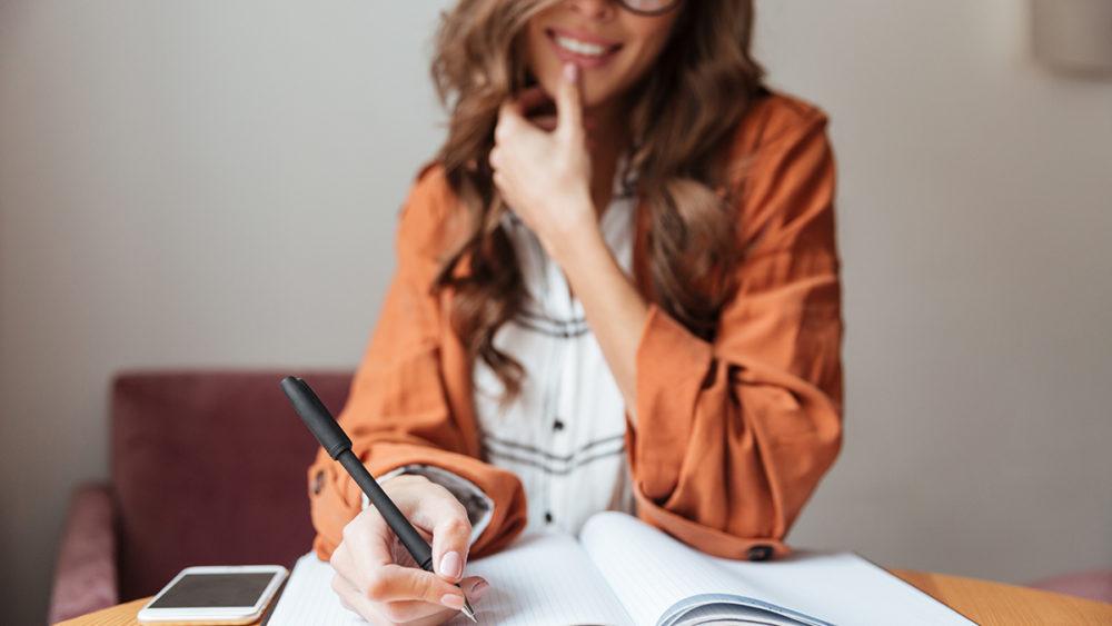 Schreib dein eigenes Buch & booste dein Business